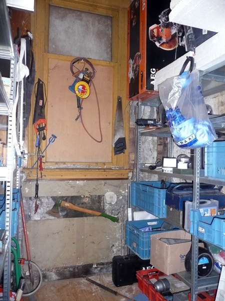 37B Ground Floor treasure chest / toolroom